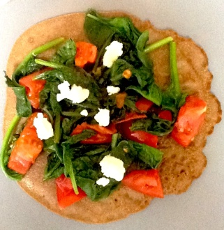 Skinny Pancake with spinach, tomato, goat cheese